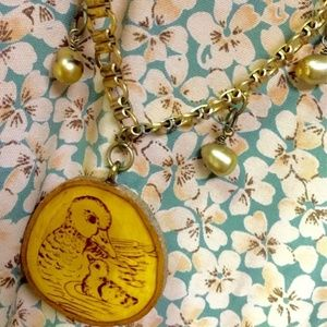 Jewelry - Vintage necklace wooden duck pendant pearls retro